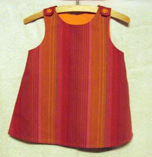 3021b38076f3 Den er sydd i str. 92. Passer til en varm sommerdag og til bruk med en  bukse under eller også t-skjorte inni.