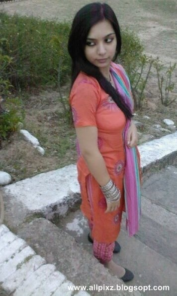 Karachi Girls 2012 Numbers Mobile