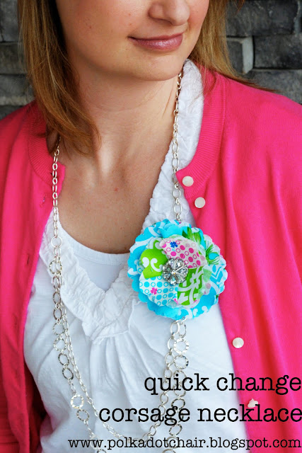 Tutorial for DIY changeable necklace.  So easy to make and just change out the flowers to match your outfit