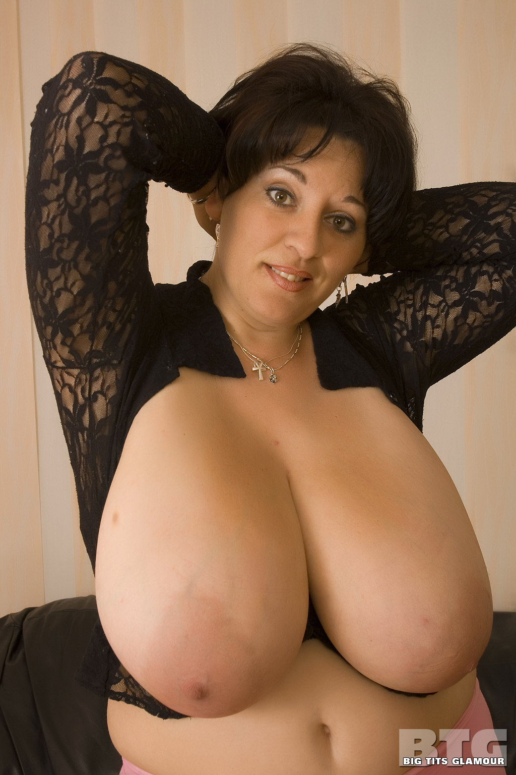 Natural heavy tits