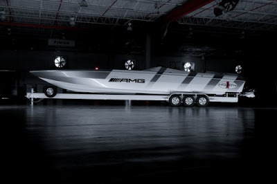 Mercedes AMG Cigarette Racing Boat