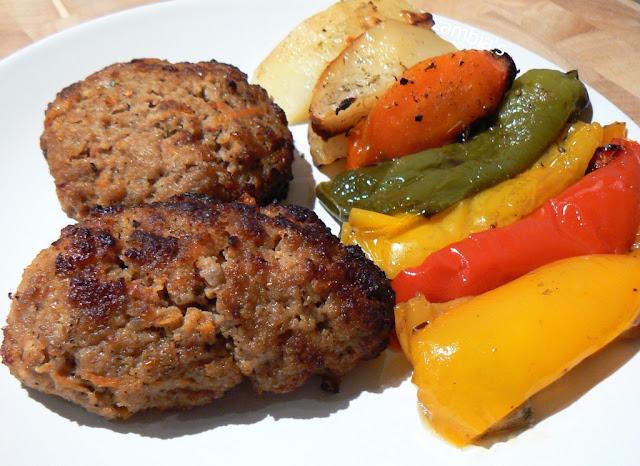 Μπιφτέκια στο Φούρνο με Λαχανικά