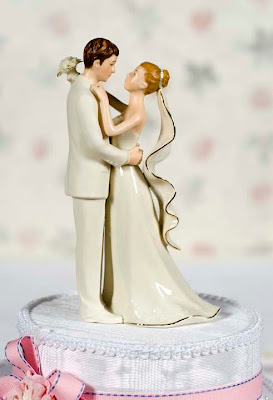 Unique wedding cakes modern wedding cakes amp chocolates