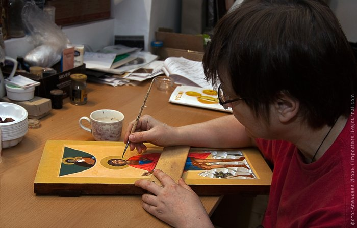 Making of religious icon painting