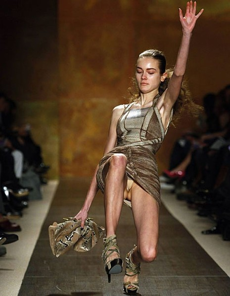 Catwalk Fail: 11