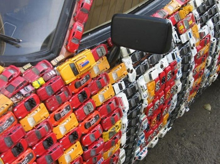 4500 toy cars to cover a Ford Capri
