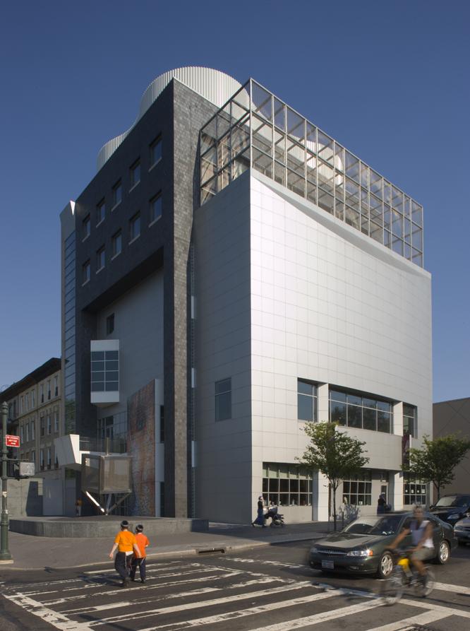 400 Fifth Avenue: A New Gwathmey Siegel Landmark