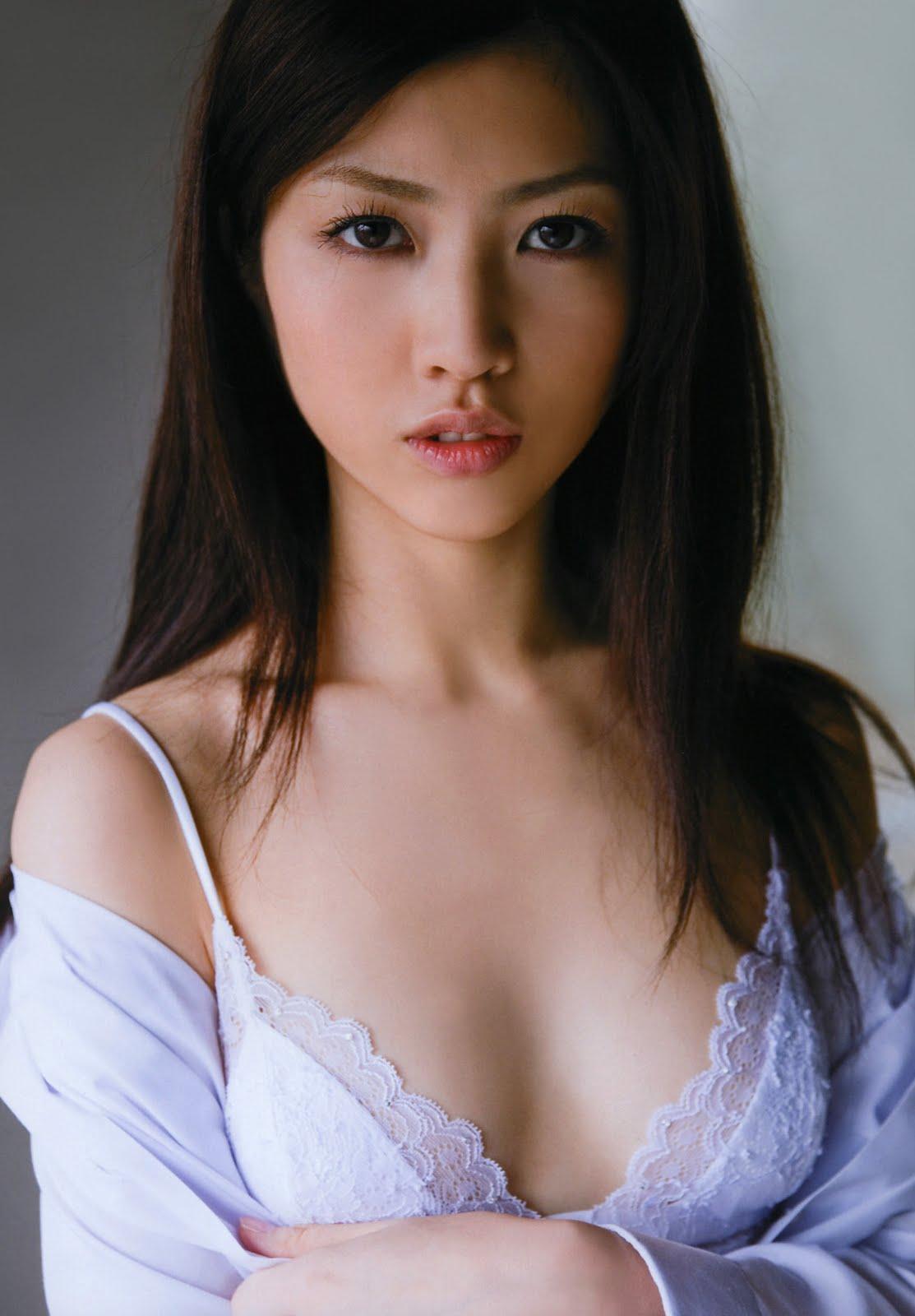 cute japanese women