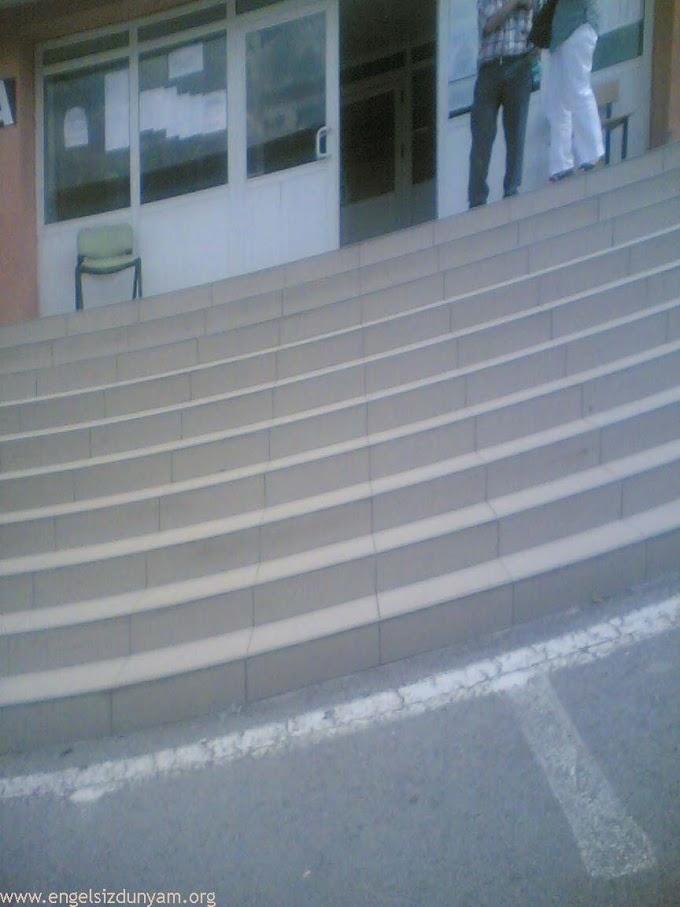 Milli Eğitim Bakanlığı-2010 MEB özürlü memur alım sınavı bugün yapıldı,Meb Sınavında engelli adayları en çok merdivenler zorladı,Engelli Haberleri