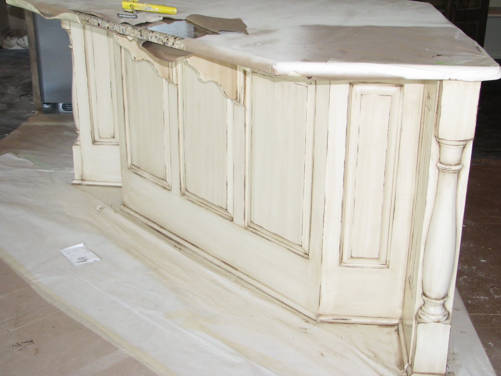 What S Not To Love About A Distressed Cream Island