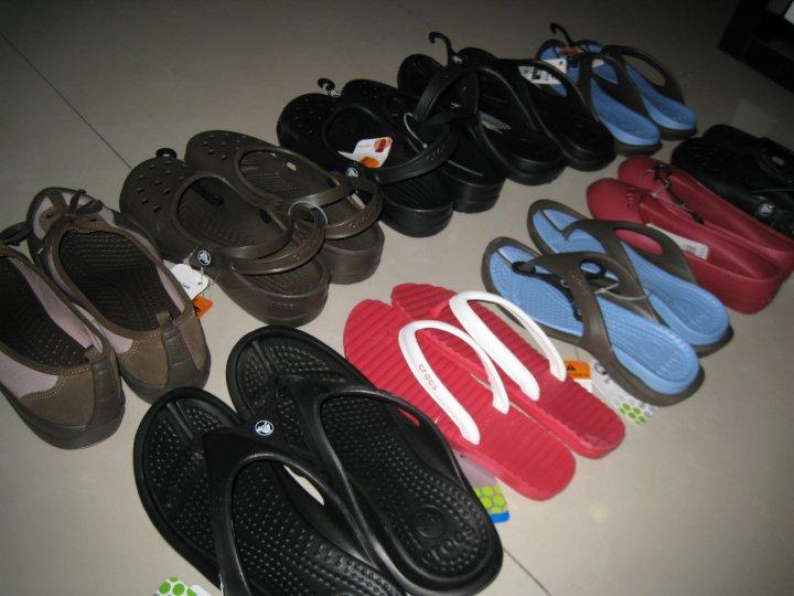 895a1ab98 Plus Size Kitten  Crocs Warehouse Sales!