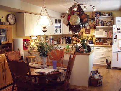 Ex Display Kitchen Ceiling Display Cabinet