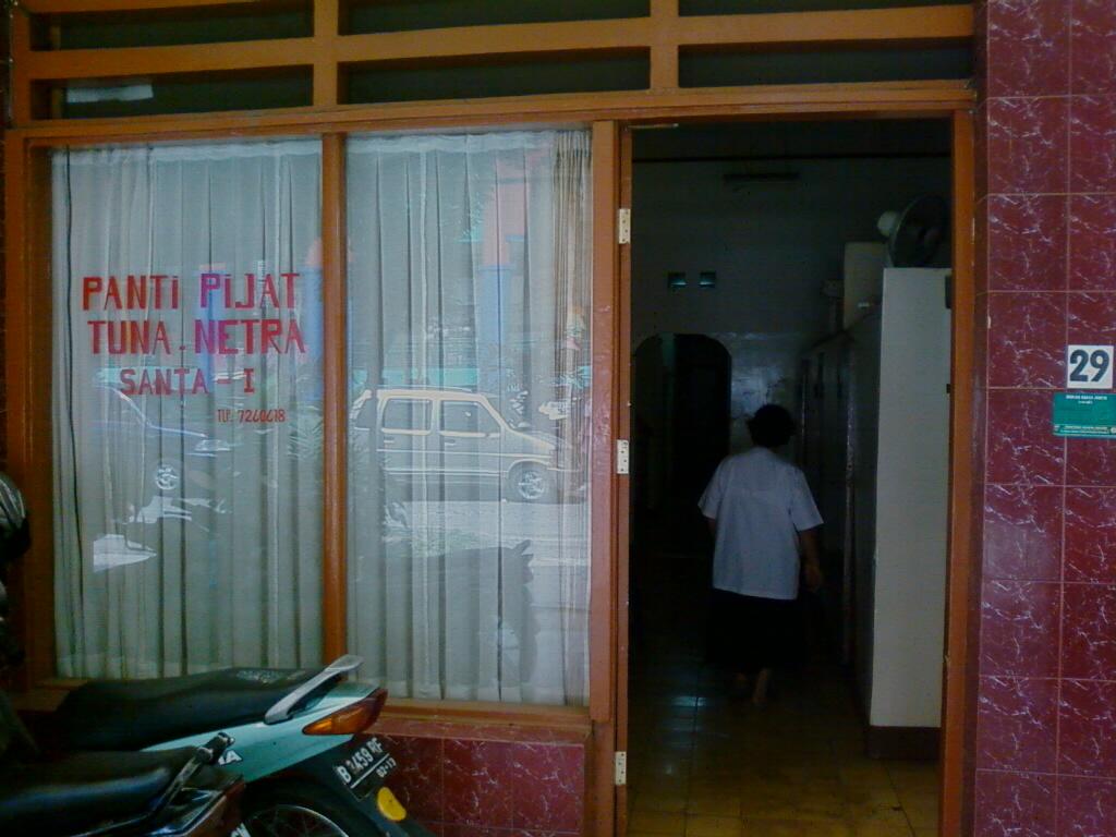 Pijat Panggilan Di Surabaya Barat - Pijat C
