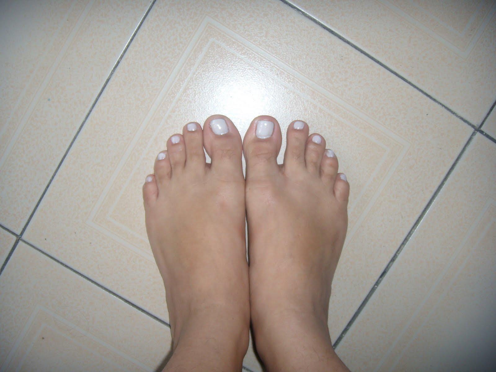 Meus pezinhos de unhas vermelhas e sandalia para voces - 2 10
