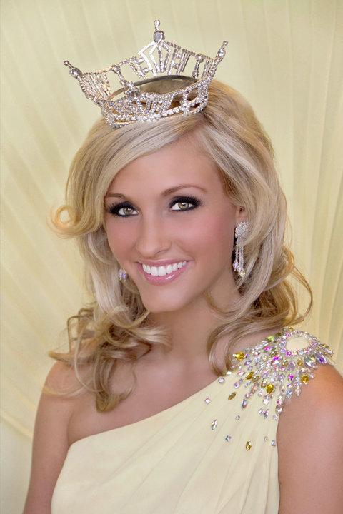 Missct2010 Brittany Decker 👩💼:tv anchor @wvtm13 📍:ct➡️ma➡️al 🗺: blogger