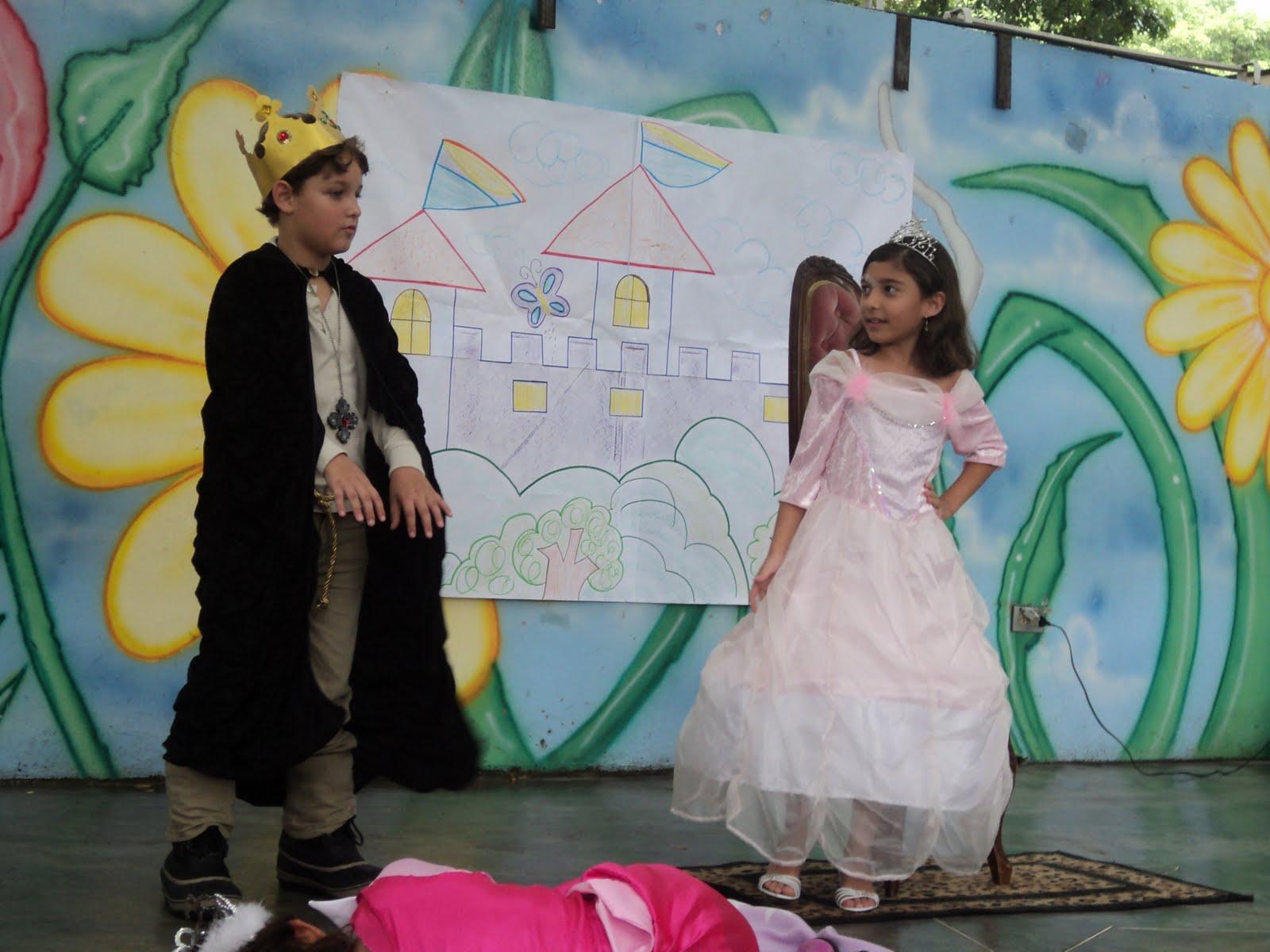 Huellas De La Imaginación Obra De Teatro La Bella Durmiente