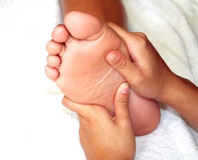 alfinetes de lesão no tornozelo e agulhas no pé após a cirurgia