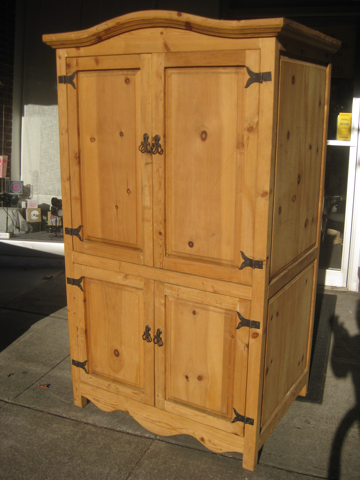 Uhuru Furniture Amp Collectibles Sold Pine Armoire 175
