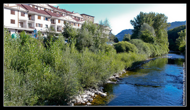 Navarra-Roncal-río