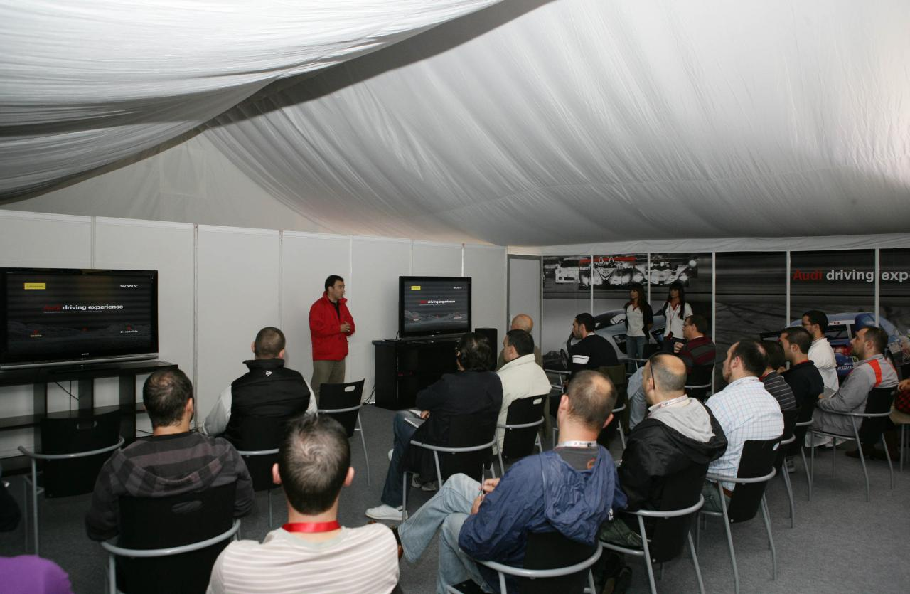 Revista Coche Audi Inaugura Su Nueva Edici 243 N Del Audi