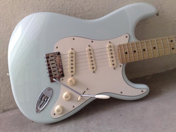 reranch sonic blue page 3 fender stratocaster guitar forum. Black Bedroom Furniture Sets. Home Design Ideas