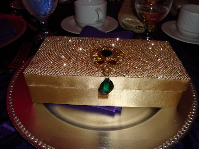 Traditional Indian Wedding Gifts: Entertaining From An Ethnic Indian Kitchen: Indian Wedding