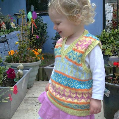 84749699a Les Petits Anglais  Free pattern - Fair Isle tank-top vest