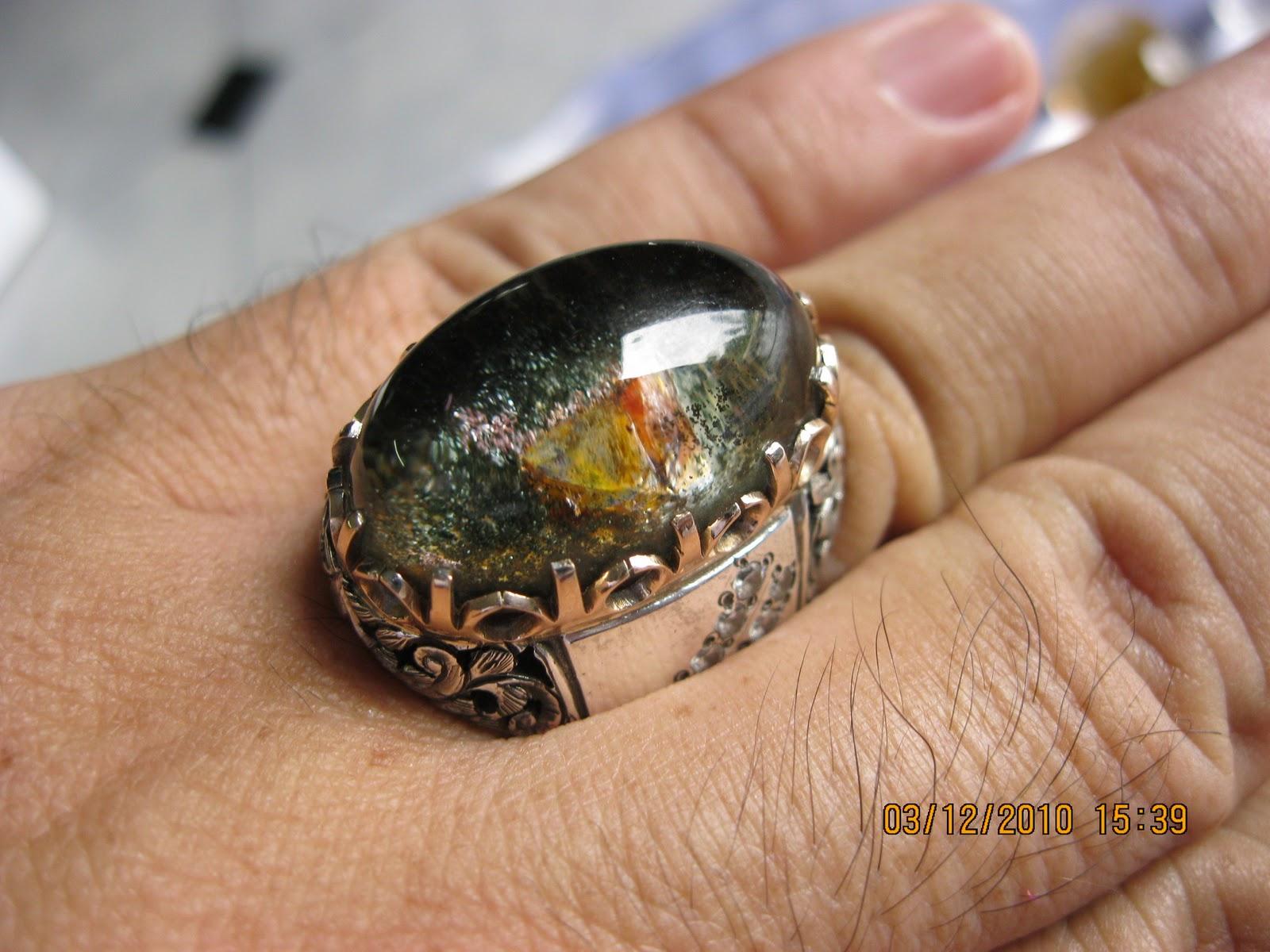 Batu Permata Kalimantan   Holidays OO