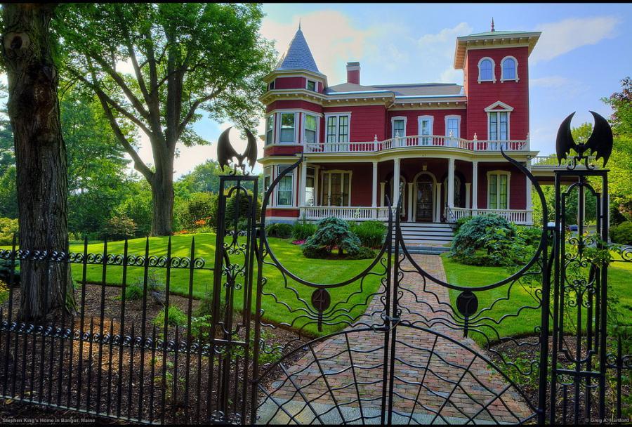 http://2.bp.blogspot.com/_iAhmZqq6o58/TIOm_NkkAuI/AAAAAAAADOo/IAuEqsY_dbs/s1600/Stephen+King's+House.jpg