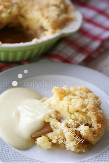 dailydelicious: Apple Crumble with Vanilla Sauce: Lovely ...