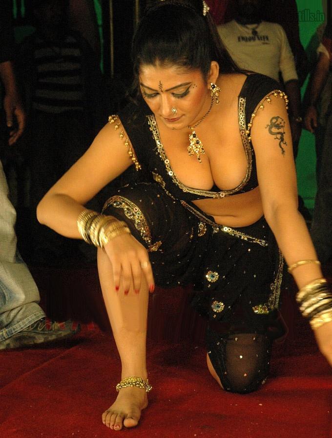 Variant Mallu actress urvashi hot final