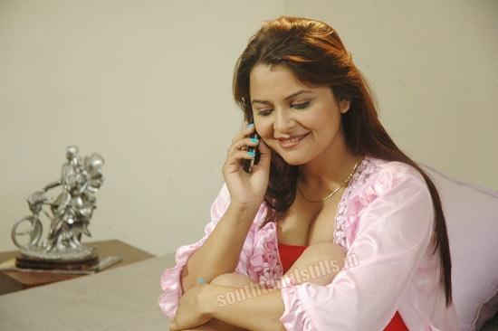 Hot Thiruttu Sirukki Spicy Movie Stills, Hot Thiruttu