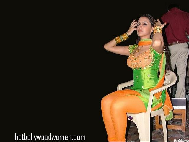 Hotbollywoodactress: Vidya Balan Backless No Bra Picture