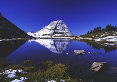 http://2.bp.blogspot.com/_iJqRoShbI9Y/TS__Ii1A6OI/AAAAAAAAAb4/amZycMWwIU4/s1600/glacier_national_park1.jpg