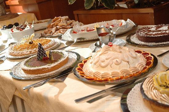Cajun Delights: Cajun Holiday Desserts + More Bayou Boogie