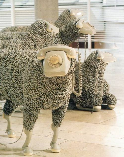 Artist: Jean Luc Cornec, and his phone sheep (1/6)