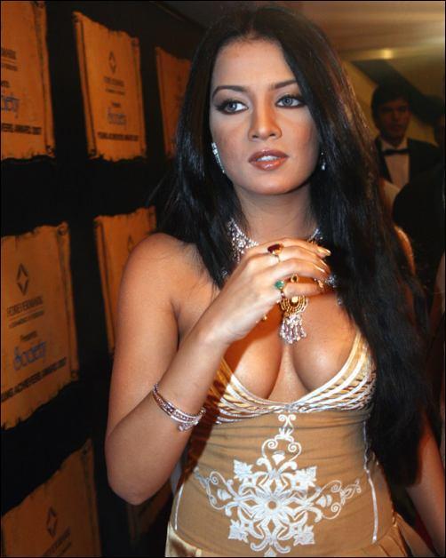 Bollywood Actress Nude Scene