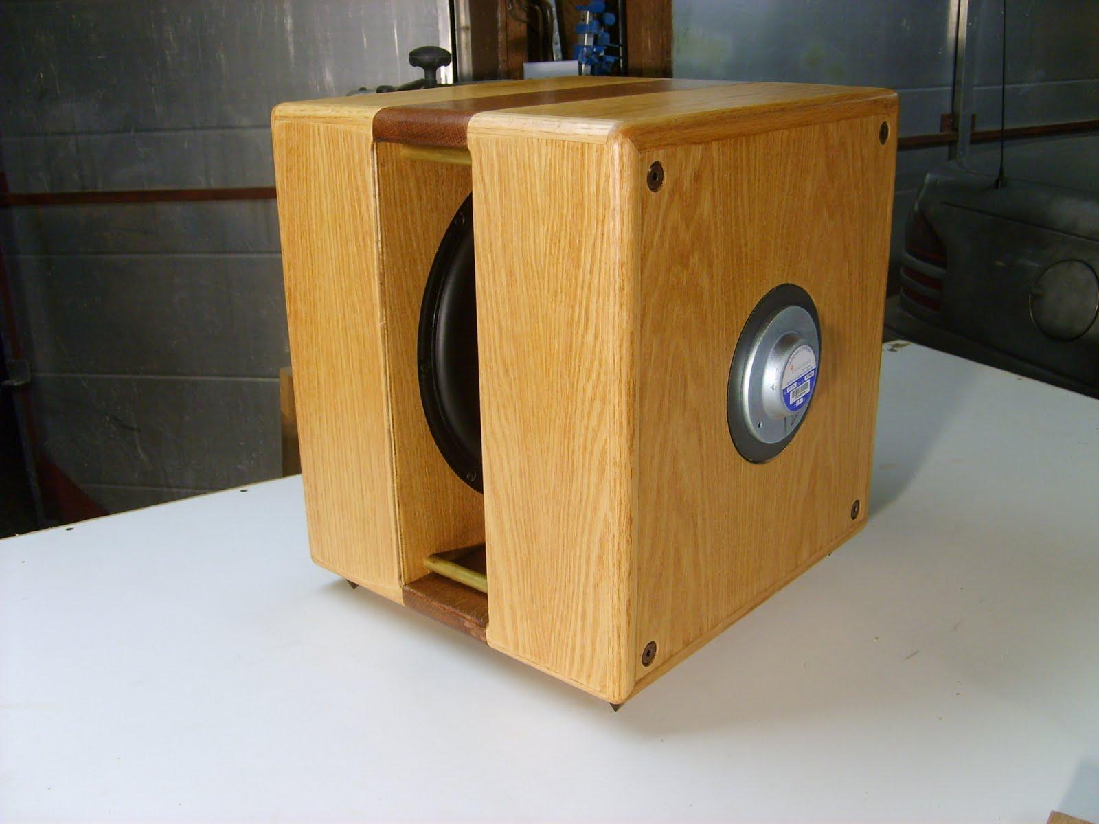 Jazzman's DIY Electrostatic Loudspeaker Page: Ripol