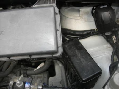 The Eight Seaters Story   Toyota Alphard: Location of Fuses