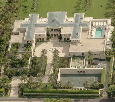 A look at mega mansions 4 homes of the rich for Mega mansions in florida