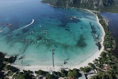 Photo de la plage de Santa Giulia