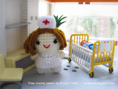 Little nurse free Amigurumi doll pattern