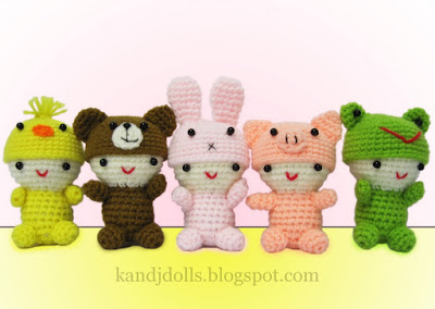 Japanese little Amigurumi dolls: duck, frog, pig, bunny and bear