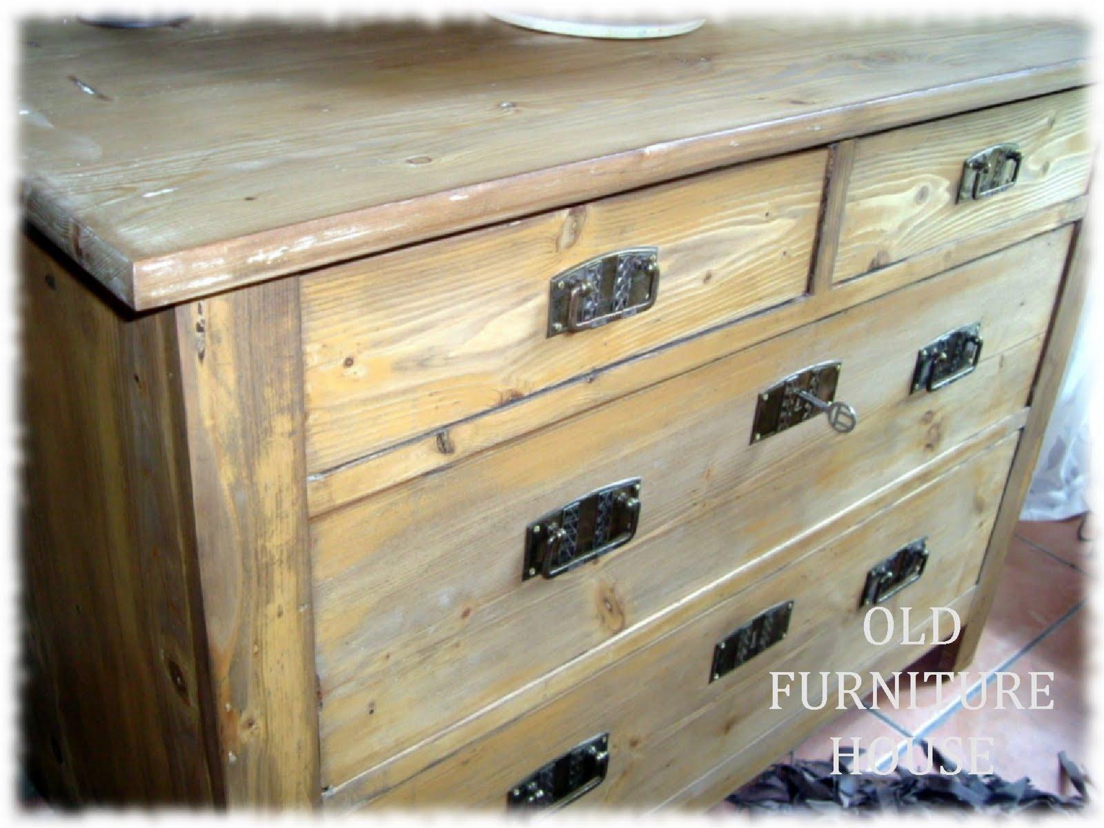 old furniture house eine alte kommode. Black Bedroom Furniture Sets. Home Design Ideas