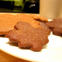 Gingerbread Leaf Cookies: A Great Fall Dessert