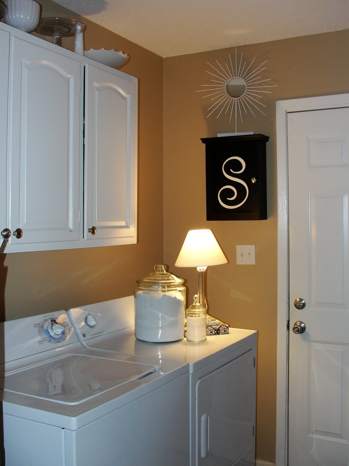 imperfectly beautiful laundry room mini makeover. Black Bedroom Furniture Sets. Home Design Ideas
