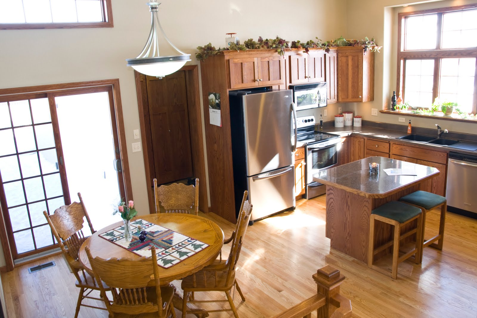 Pictures of 12 Foot Ceilings in Kitchens with Cabinets