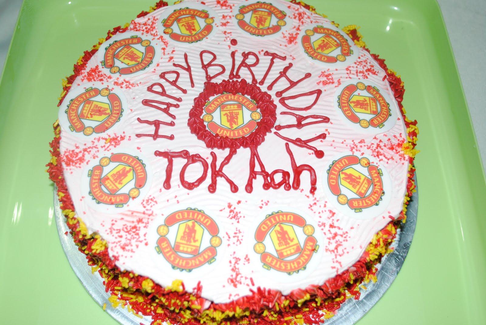 D Hati Cakes N Cookies Happy Birthday