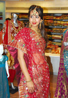 Sanjana At Neerus Shopping Mall (48)