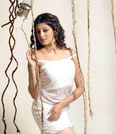 praneetha spicy shoot photo gallery